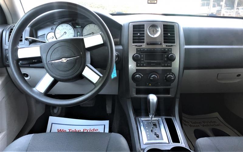 Chrysler 300 2007 price $10,500