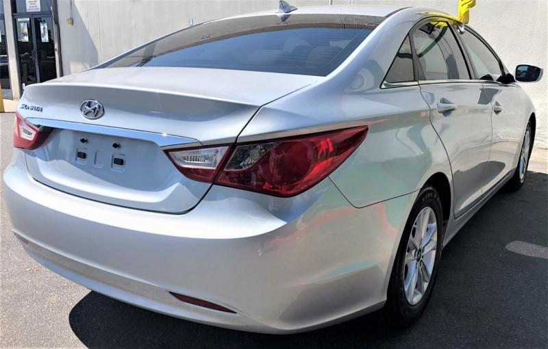 Hyundai Sonata 2013 price $8,900