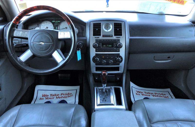Chrysler 300 2005 price $6,500