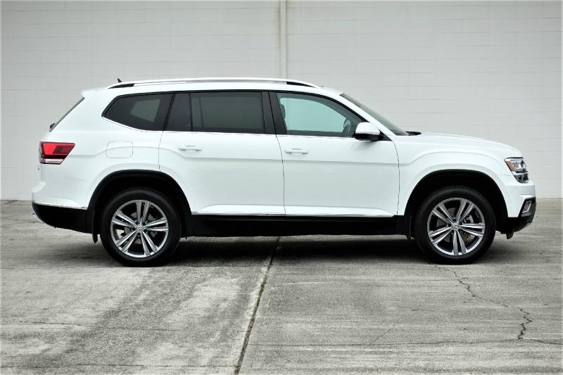 Volkswagen Atlas 2018 price $33,900