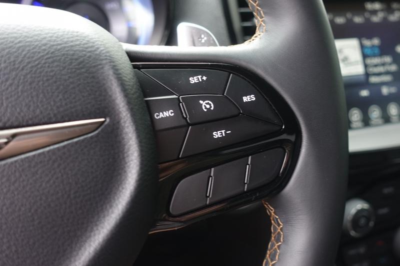 Chrysler 300 2017 price $24,800