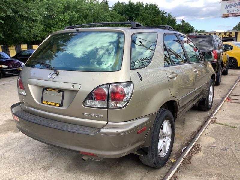 LEXUS RX 2002 price $700