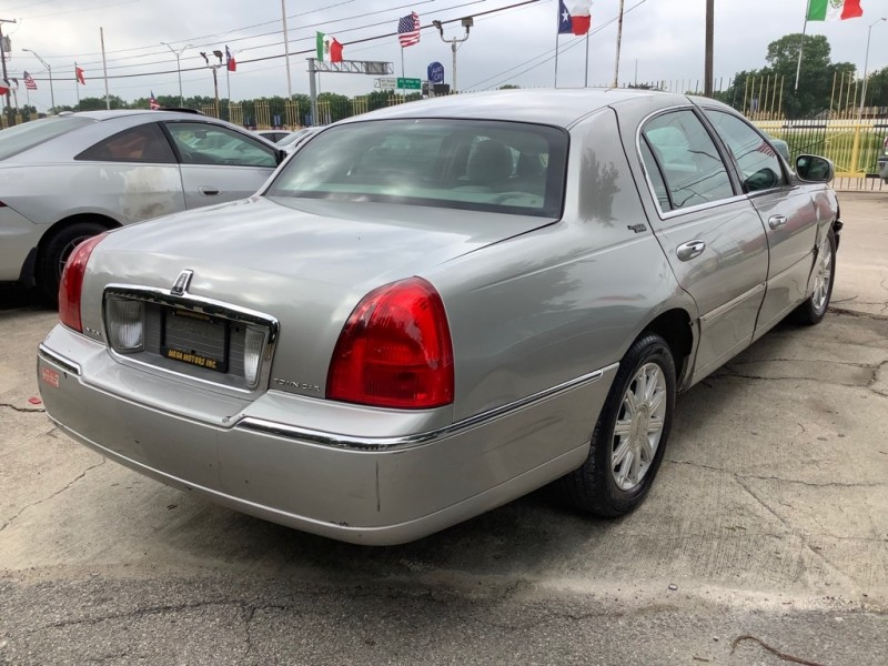 LINCOLN TOWN CAR 2007 price $800