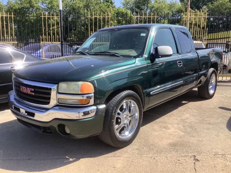 GMC NEW SIERRA 2004 price $1,500 Down