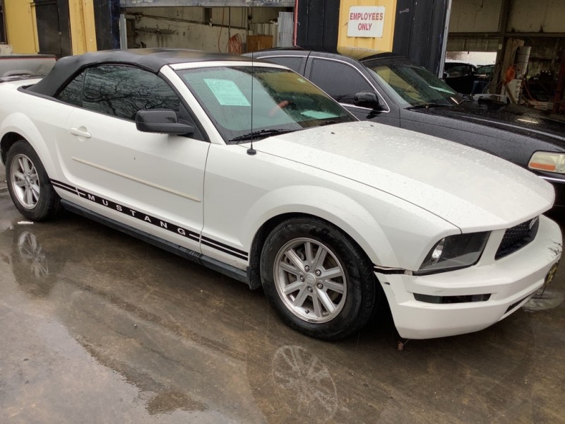FORD MUSTANG 2008 price $1,025