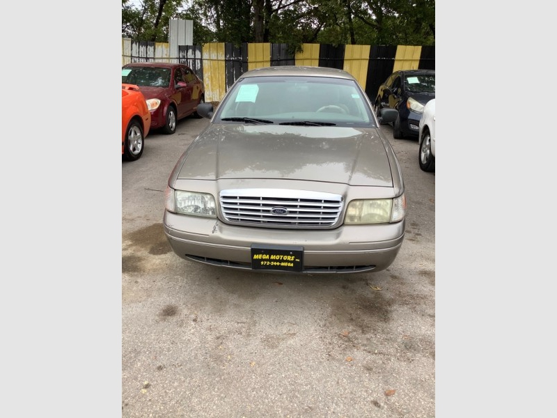 FORD CROWN VICTORIA 2004 price $825