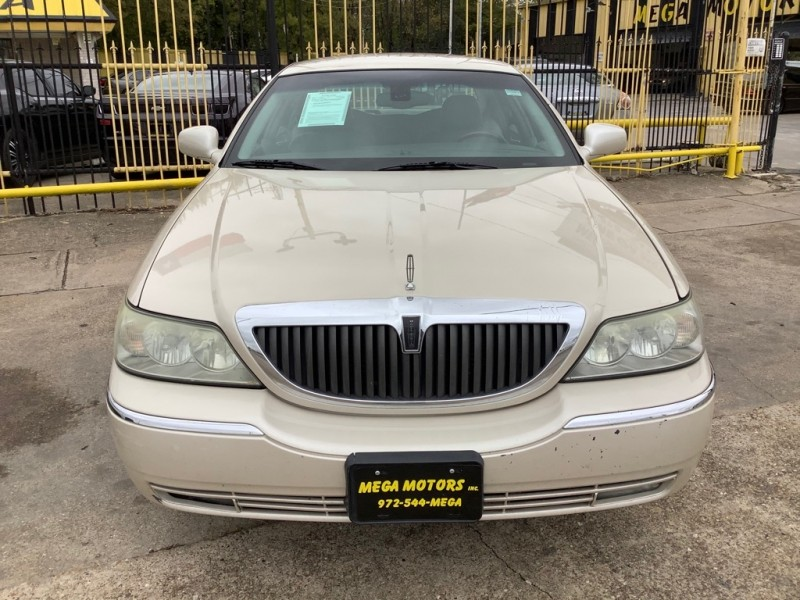 LINCOLN TOWN CAR 2003 price $1,525