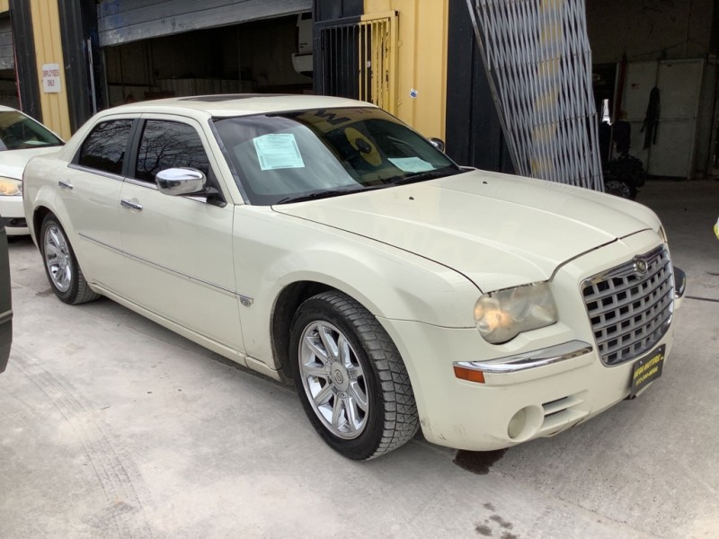 CHRYSLER 300C 2006 price $1,025