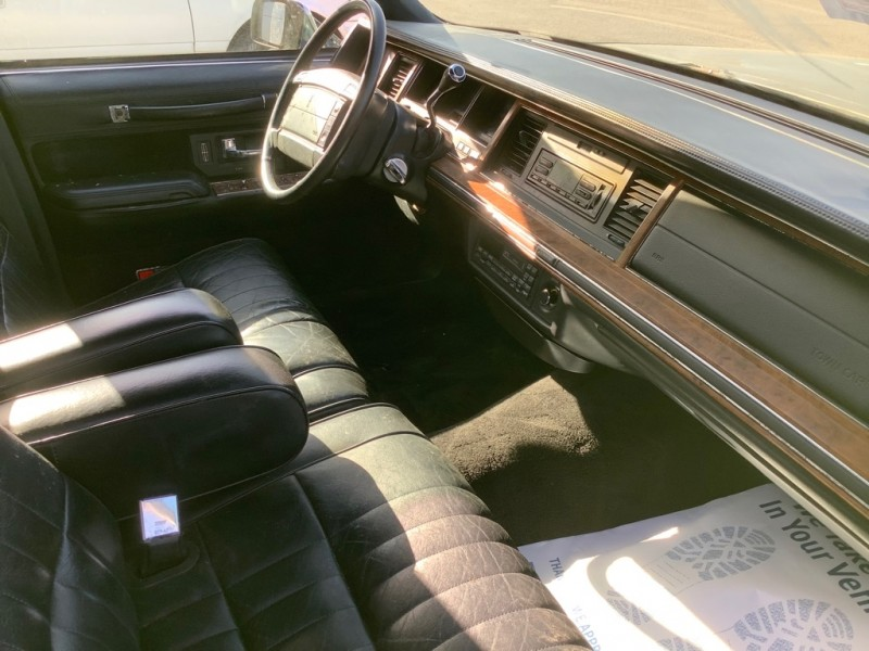 LINCOLN TOWN CAR 1994 price $600