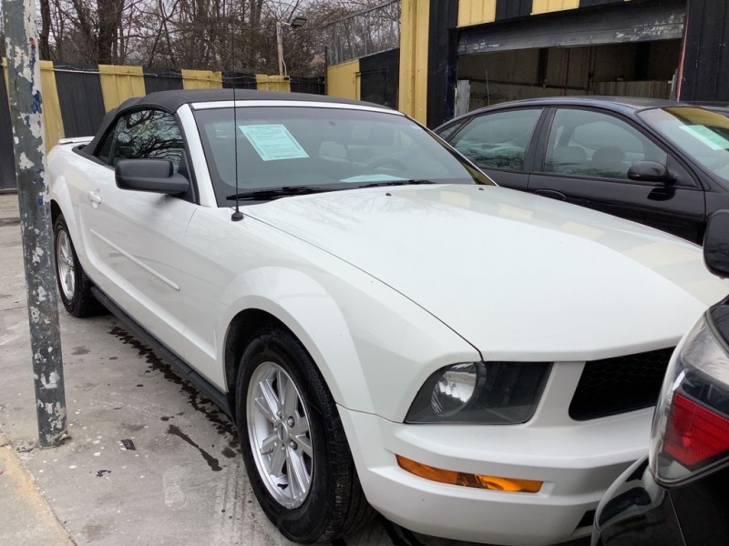 FORD MUSTANG 2007 price $1,525
