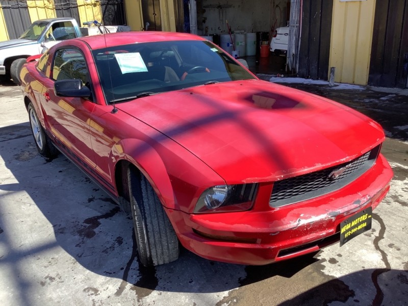 FORD MUSTANG 2005 price $925