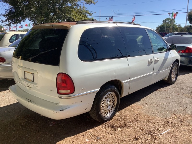 CHRYSLER TOWN & COUNTRY 1997 price $500 Down