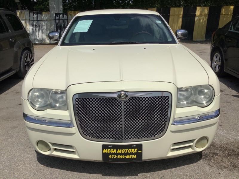 CHRYSLER 300C 2005 price $2,000 Down