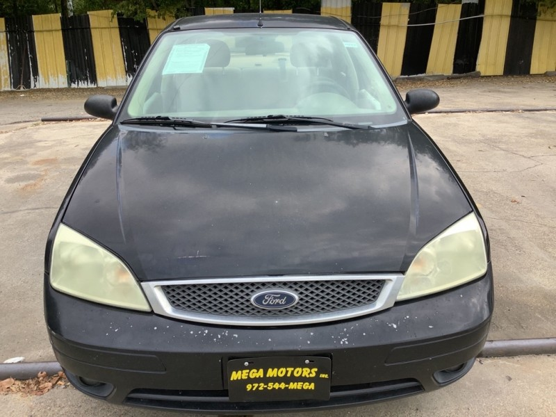 FORD FOCUS 2005 price $700 Down