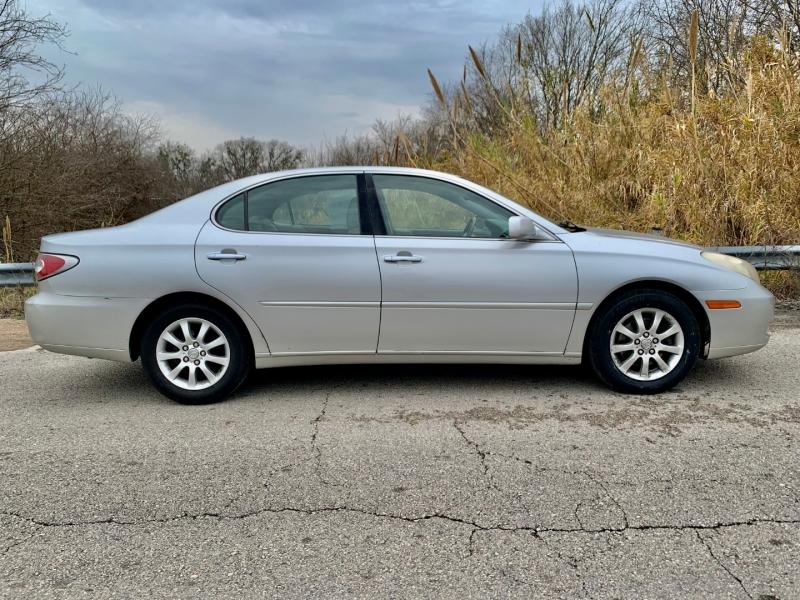 Lexus ES 330 2004 price $4,795