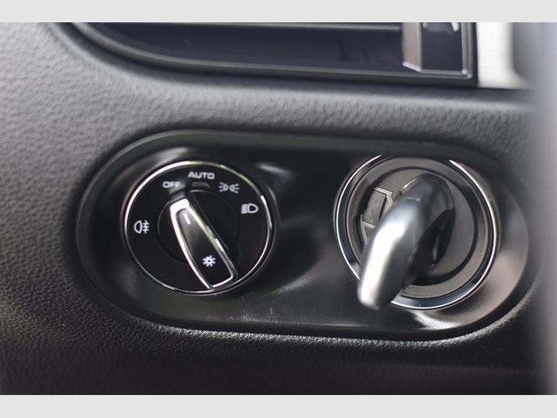 Porsche Macan 2019 price $60,252