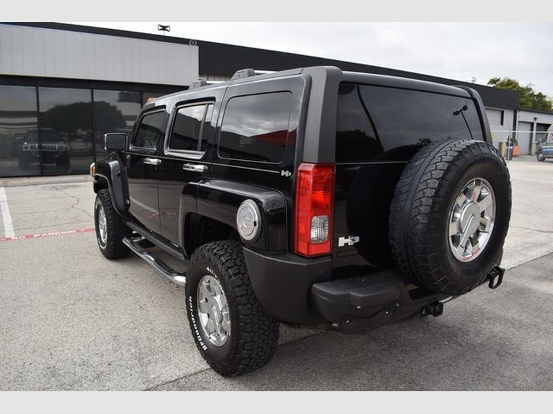 Hummer H3 2010 price $12,854