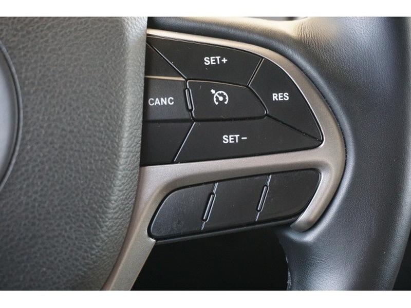 Jeep Grand Cherokee 2019 price $24,420