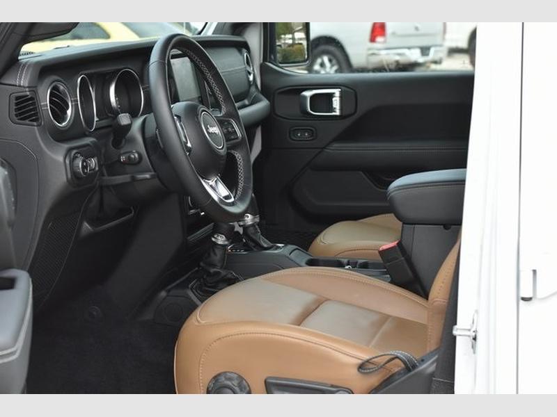 Jeep Gladiator 2021 price $62,214