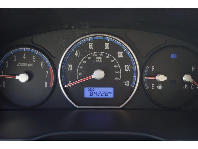 Hyundai Santa Fe 2009 price $9,334