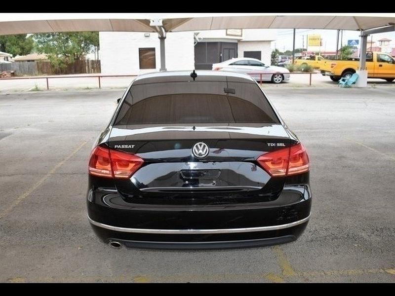 Volkswagen Passat 2013 price $12,871