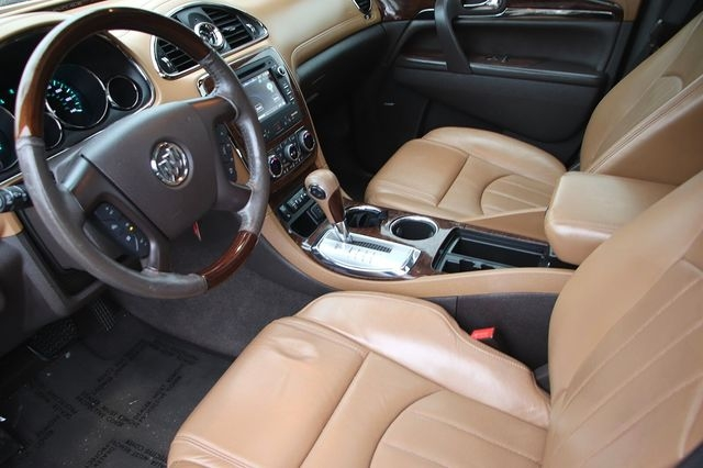 Buick Enclave 2015 price $17,989