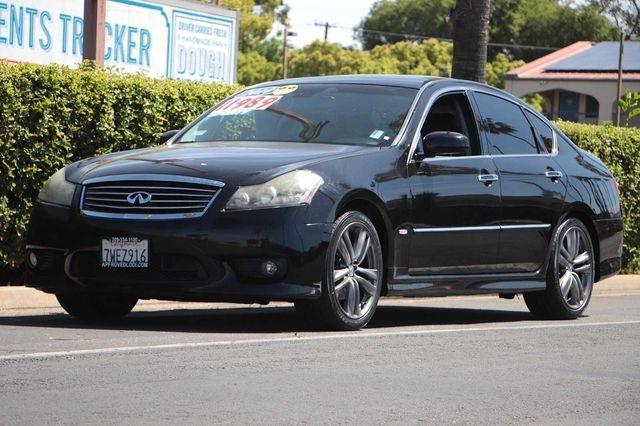 INFINITI M 2010 price $11,989