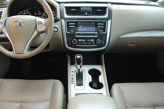 Nissan Altima 2017 price $15,989