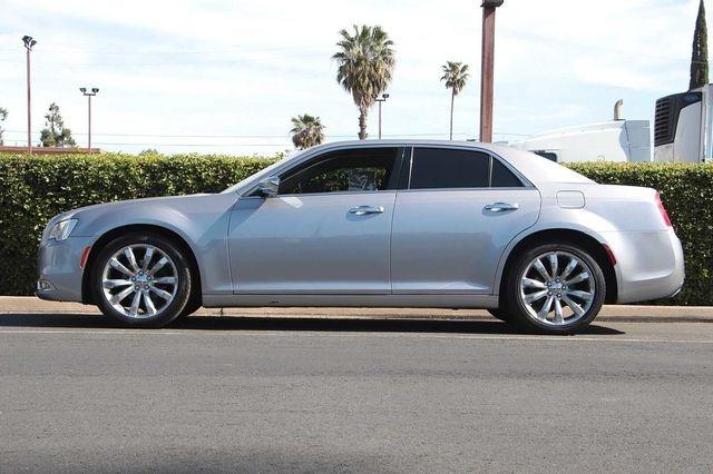 Chrysler 300 2018 price $22,989