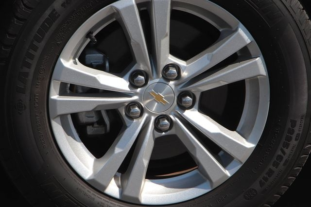 Chevrolet Equinox 2017 price $15,588