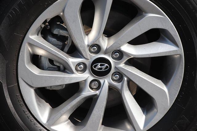 Hyundai Tucson 2016 price $14,989