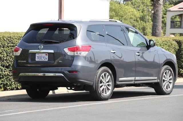 Nissan Pathfinder 2013 price $15,700