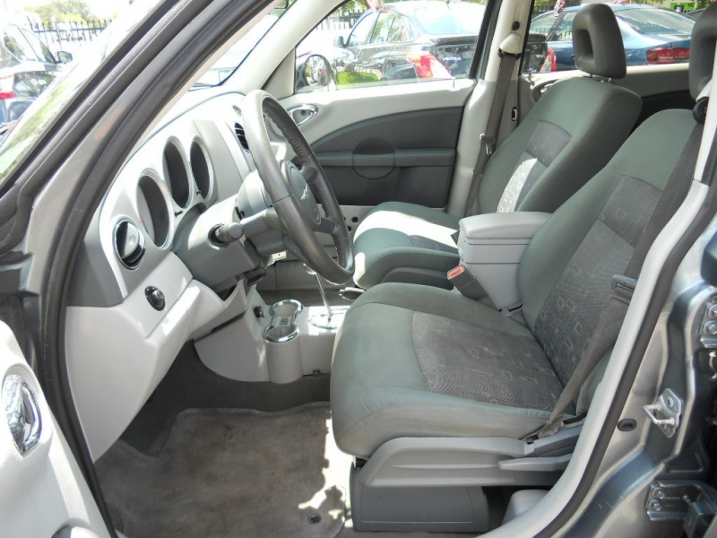 CHRYSLER PT CRUISER 2010 price $4,500