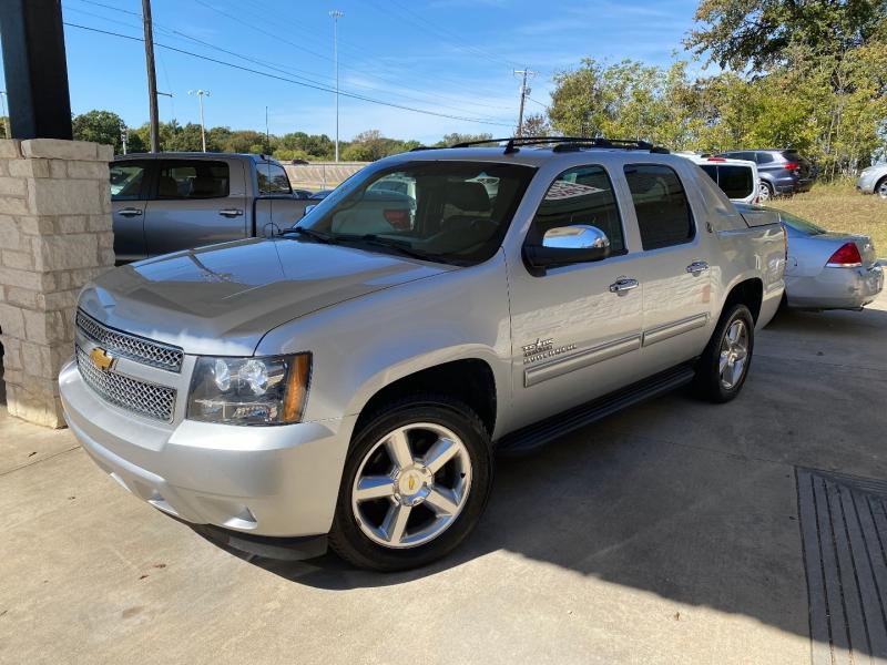 Chevrolet Avalanche 2013 price $17,995 Cash