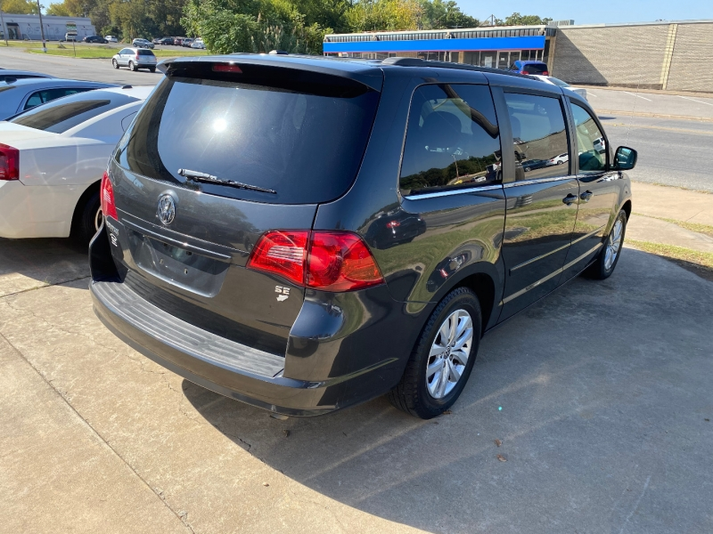 Volkswagen Routan 2012 price $7,995 Cash