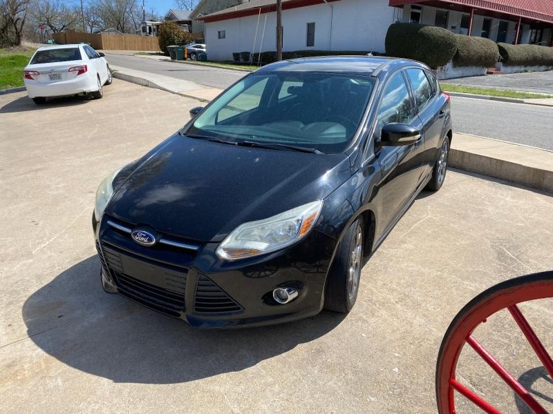 Ford Focus 2013 price $7,995 Cash