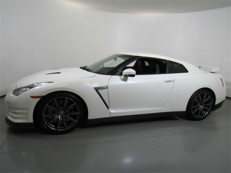 Nissan GT-R 2014 price $120,000