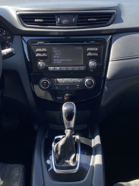 Nissan Rogue 2017 price $11,975