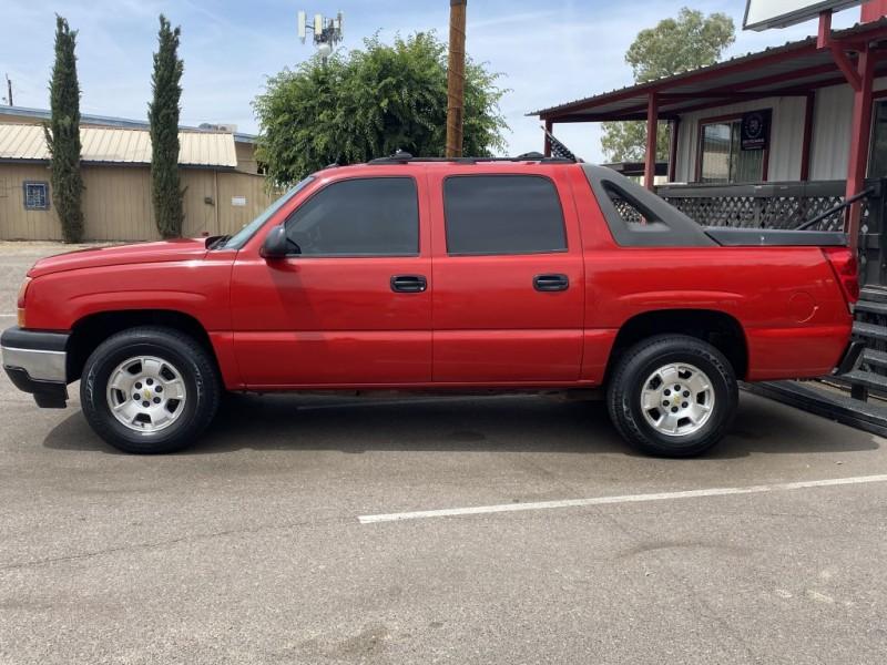 Chevrolet Avalanche 2005 price $11,250