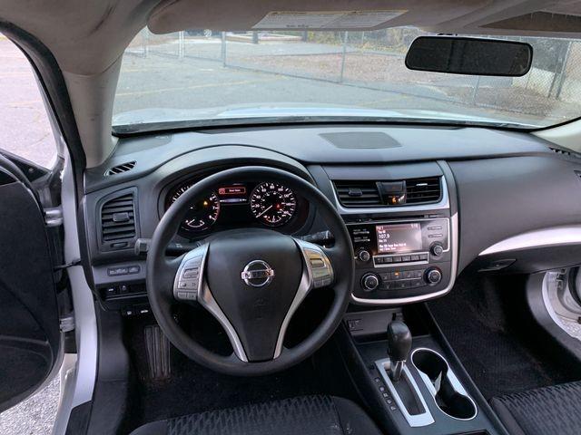 Nissan Altima 2017 price $12,950