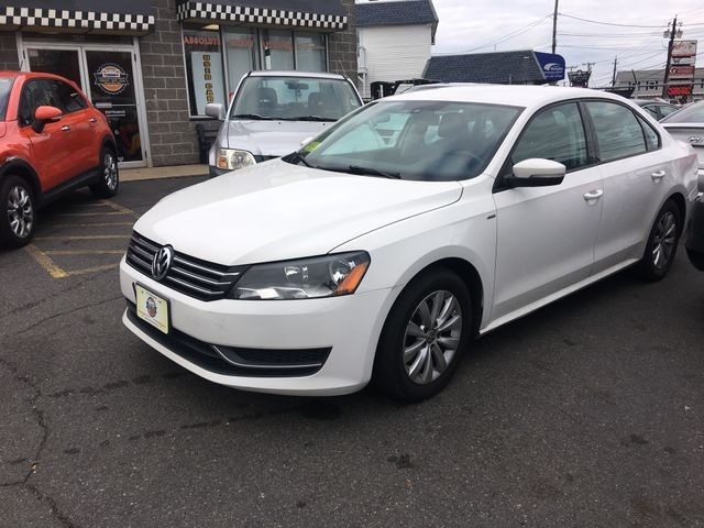 Volkswagen Passat 2015 price $7,950