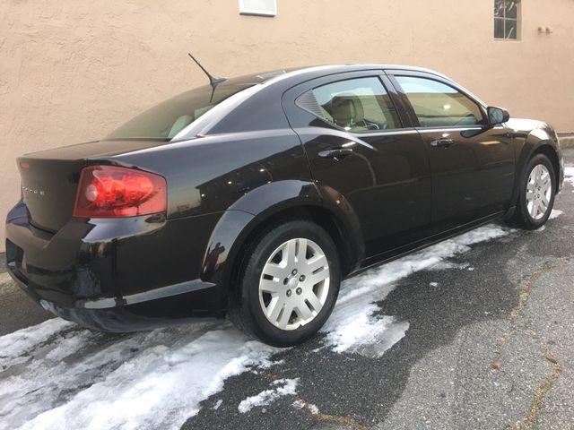 Dodge Avenger 2011 price $5,495