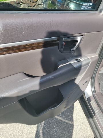 Hyundai Santa Fe 2011 price $9,950