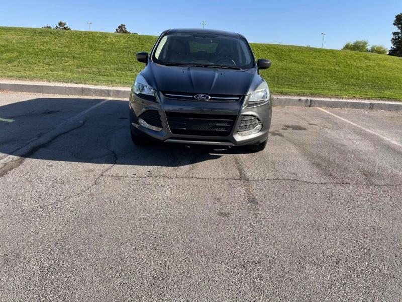 Ford Escape 2015 price $9,450