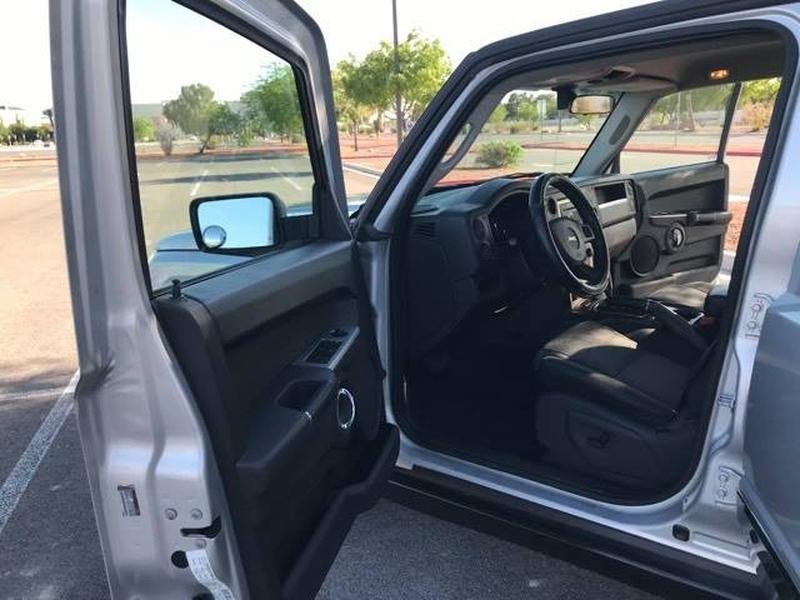 Jeep Commander 2010 price $8,950