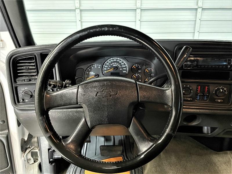 Chevrolet Silverado 2500HD 2005 price $8,495