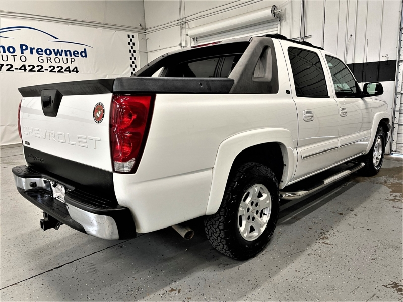 Chevrolet Avalanche 2005 price $11,195