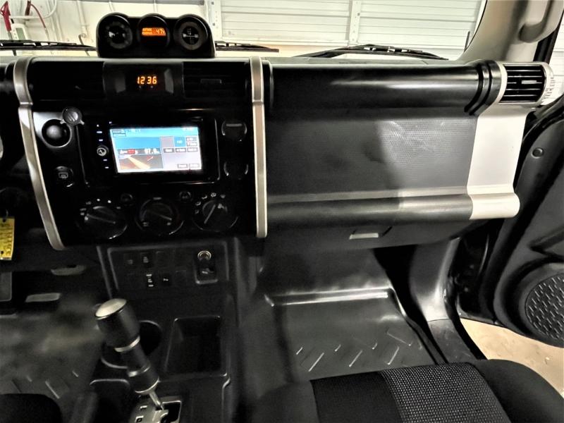 Toyota FJ Cruiser 2007 price $14,995