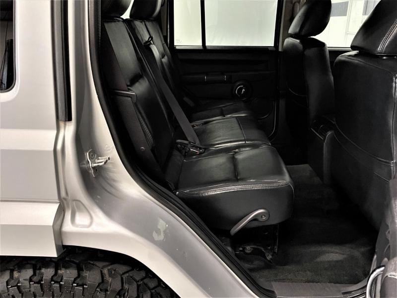 Jeep Commander 2010 price $11,995