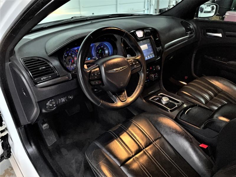 Chrysler 300 2015 price $21,895